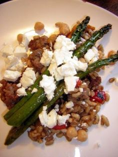 Farro-Chickpea Salad with Asparagus and Feta from Cupcake Muffin