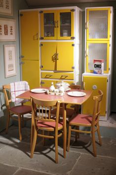 Lovely style kitchen furniture - the sunshine yellow reminds me so much of our kitchen when I was a child, although ours was much smaller so our dining table and chairs (also identical to these) were in the breakfast room Retro Furniture, Cabinet Furniture, Colorful Furniture, Kitchen Furniture, Kitchen Decor, Kitchen Tips, Furniture Design, Office Furniture, Bedroom Furniture