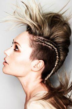 http://imalbum.aufeminin.com/album/D20121211/695062_BCXOTE1TE36UZ8QBFXB1GLFR47R6O5_terri-kay-brown-medium-hair-up-do-hairstyles_H154237_L.jpg