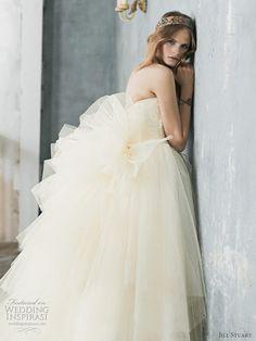 Romantic princess wedding gown Jill Stuart 2010 - off-white strapless wedding dress with ruffle back