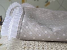 Arrullo bebe_02 Fleece Baby Blankets, Baby Patterns, Infant, Crochet, Crafts, Google, Bb, Scrappy Quilts, Baby Layette