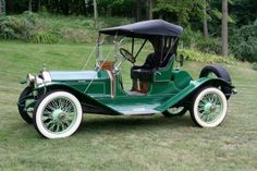 1913 Peerless Model 48-Six Roadster.