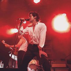 The Last Shadow Puppets live...