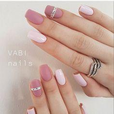 nail art, cute nails, black an white nail Classy Nails, Stylish Nails, Simple Nails, Trendy Nails, Cute Acrylic Nails, Matte Nails, Pink Nails, Vernis Rose Gold, Gorgeous Nails