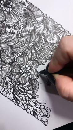 Doodle Art Drawing, Zentangle Drawings, Mandala Drawing, Art Drawings Sketches, Black Pen Drawing, Doodles Zentangles, Doodle Art Designs, Doodle Patterns, Zentangle Patterns