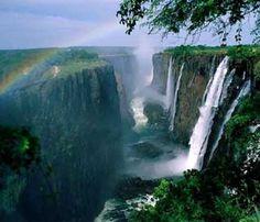 Viaje de ensueño: las cataratas Victoria, naturaleza en estado puro