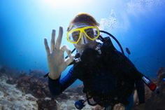 Come Scuba Diving in El Nido, Philippines! Palawan Divers offers PADI courses, specialty and Pro courses and cater to certified divers with daily dives. Countries Around The World, Around The Worlds, Simply Scuba, Action Sport, All About Water, Dive Resort, Top Pic, Ocean Creatures, Snorkelling