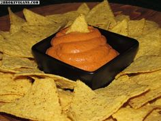 Gluten Free Raw Vegan Sharp Cheddar Cheese Dip Recipe - This is a savory dip perfect for your favorite chips or crackers! Use it in a vegan sandwich! Non Dairy Cheese, Vegan Cheese Recipes, Vegan Sauces, Raw Vegan Recipes, Vegan Foods, Tapas, Vegan Nachos, Vegan Queso, Vegan Party Food