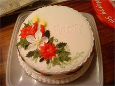 This was the first 'project' cake I did in my cake decorating class. I took 4 weeks to complete! Chrismas Cake, Christmas Themed Cake, Christmas Cupcakes Decoration, Christmas Cake Designs, Christmas Treats, Christmas Baking, Christmas Wedding, Christmas Time, Cake Decorating Courses