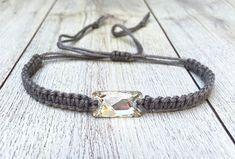 Elegantes makramee Armband mit Swarovski Kristall in weiss | Etsy Swarovski, Braided Bracelets, Boho, Elegant, Braids, Etsy, Jewelry, Fashion, Handmade Bracelets