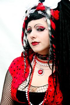 Lovely Cyber-Goth girl with great eye make-up work