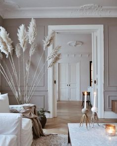 Home Interior Salas .Home Interior Salas Rugs In Living Room, Home And Living, Living Room Decor, Bedroom Decor, Beige Living Rooms, Master Bedroom, Apartment Interior, Interior Design Living Room, French Apartment