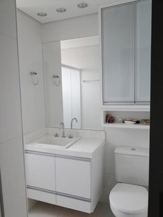 Lavabo: aprende a elegir hermosas modelos,decoración totalmente blanca con mueble de lava., Lavabo: aprende a elegir hermosas modelos, Banheiro Pequeno Planejado: Como Montar uma Lista de Materiais p. Beautiful Bathroom Decor, Bathroom Remodel Shower, Bathroom Furniture, Bathroom Wall Decor, Best Bathroom Flooring, Shower Storage, Bathroom Shower, Bathroom Design, Bathroom Decor