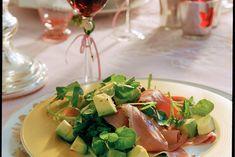Kijk wat een lekker recept ik heb gevonden op Allerhande! Salade van gerookte eendenborst en avocado