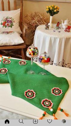's media analytics. Embroidery Patterns, Hand Embroidery, Knitting Patterns, Crochet Patterns, Crochet Fabric, Crochet Lace, Crochet Flowers, Ramadan Crafts, Ramadan Decorations