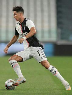 Soccer Players, Cristiano Ronaldo, Football, Running, Sports, Game, Beautiful, Avengers, Saints