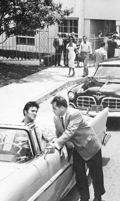 Elvis Presley pictures and photos Elvis And Priscilla, Lisa Marie Presley, Priscilla Presley, Elvis Presley Pictures, Elvis Presley Movies, Graceland, Are You Lonesome Tonight, King Creole, Young Elvis