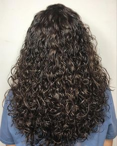 body-wave-hairstyle 13 Modern, On-trend Perm Hairstyles Wavy Perm, Short Permed Hair, Curly Hair With Bangs, Loose Perm, Long Curly Hair, Curly Hair Styles, Medium Hair Styles, Wavy Haircuts, Permed Hairstyles