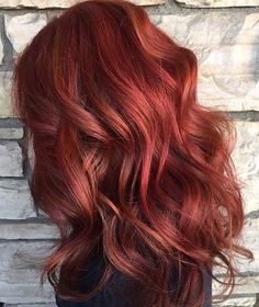 beautiful hair colors 074 - 100 Hair colors that you might consider trying Hair Color Auburn, Hair Color Pink, Cool Hair Color, Purple Hair, Hair Colors, Red Balayage Hair, Ombre Hair, Dark Brown Hair With Blonde Highlights, Winter Hairstyles