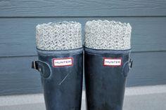Free Pattern & Tutorial: Reversible Crochet Boot Cuffs