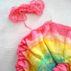 How to Dye a Gradient Yarn using a Spray Bottle by FreshStitches