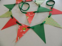 Christmas Paper Bunting Christmas Mantle by anyoccasionbanners, $9.75    I LOVE the Grinch! Super cute Holiday Decoration!