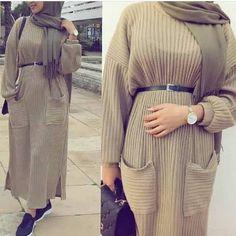 Fall hijab in modern looks – Just Trendy Girls – – Hijab Fashion 2020 Hijab Outfit, Heutiges Outfit, Modern Hijab Fashion, Muslim Women Fashion, Modest Fashion, Modest Dresses, Modest Outfits, Hijab Mode, Hijab Fashionista