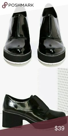 Shelly's London Oxfords Size 6.5 Minor skid marks but over all excellent condition Nasty Gal Shoes Platforms