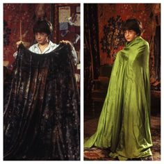 Daniel Radcliffe dons a green cloth as a substitute for the Invisibility Cloak, which vanished in post-production with the help of digital effects. #HarryPotter