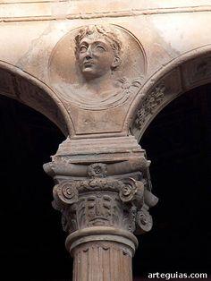 Medallón renacentista en el patio del palacio de Peñaranda de Duero