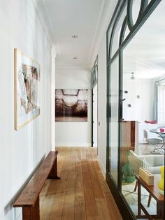 image Elle Decor, Oversized Mirror, Entrance, Sweet Home, New Homes, Stairs, Windows, Doors, Rustic
