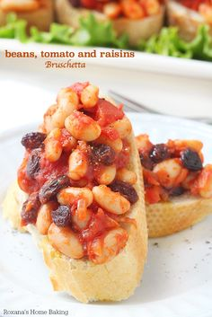 Toasted ciabatta slices topped with beans, tomato and raisins, bruschetta is a quick and easy party appetizer, last minute dinner idea or a afternoon snack! Appetizers For Party, Appetizer Recipes, Bruschetta Recipe, Sandwiches, Afternoon Snacks, Nutrition, Ciabatta, Vegan Recipes, Easy Meals