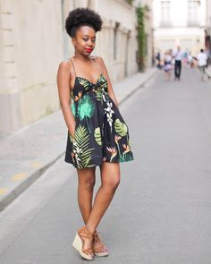 African Beauty with Unique and Very Elegant Clothes African Attire, African Wear, African Women, African Dress, African Print Fashion, Africa Fashion, African Prints, Tropical Outfit, Style Africain