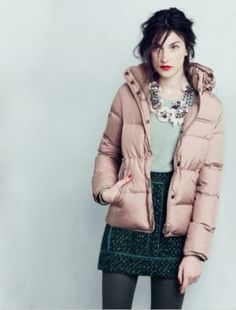 スモーキーピンクだとラブリーになり過ぎない♪秋冬ファッションのダウンジャケットコーデ術を集めました!参考にどうぞ♪
