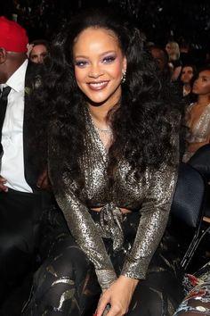 Rihanna at the Grammys. Rihanna Makeup, Rihanna Riri, Rihanna Style, Classy Outfits For Women, Rihanna Looks, Girl Bye, Rihanna Outfits, Jenifer Lawrence, Black Girl Fashion