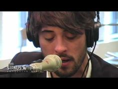By far, the best cover of the song 'The Weary Kind'. Ryan Bingham has such a dreamy voice.