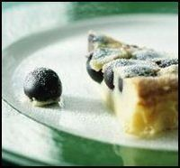 Clafoutis met Leopolddruiven Pudding, Desserts, Food, Gera, Tailgate Desserts, Deserts, Custard Pudding, Essen, Puddings