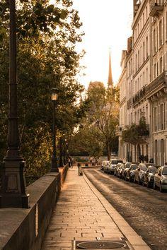 Offbeat Paris: 7 Secret Spots To See In Paris City Aesthetic, Travel Aesthetic, Paris Travel, France Travel, Places Around The World, Around The Worlds, Ile Saint Louis, Beautiful Paris, I Love Paris