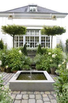 Landelijke Tuin - Moderne - Modern - Garden - Classical - Symmetric - Symmetrische - Wit - White - Fountain - Fontein <3 Fonteyn
