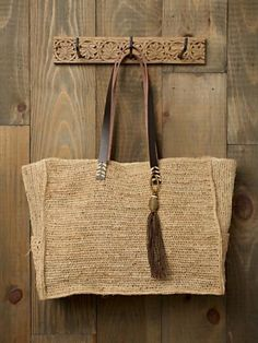 60 Ideas Basket Bag Fashion Fun For 2019 Sacs Tote Bags, Diy Tote Bag, Reusable Tote Bags, Jute Bags, Linen Bag, Basket Bag, Summer Bags, Knitted Bags, Crochet Projects
