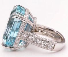38.57 Carat Aquamarine Diamond Gold Cocktail Ring 3