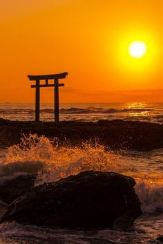 Sunrise at The Sea Shrine | Hidetoshi Kikuchi
