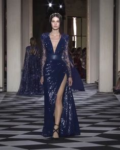 Zuhair Murad Look 36 Gorgeous Blue Slit Sheath Evening Maxi Dress / Evening Gown with V-Neck Cut, Long Sleeves, Open Back and small Train. Couture Fall Winter Collection Runway by Zuhair Murad Haute Couture Dresses, Couture Fashion, Runway Fashion, Fashion Fashion, Spring Fashion, Fashion Trends, Elegant Dresses, Nice Dresses, Long Dresses