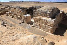Egypte : découverte de la tombe d'une reine pharaonique inconnue En savoir plus sur http://www.lemonde.fr/sciences/article/2015/01/05/egypte-decouverte-de-la-tombe-d-une-reine-pharaonique-inconnue_4549499_1650684.html#FjbyIdslZiiI6BSR.99 AFP/-