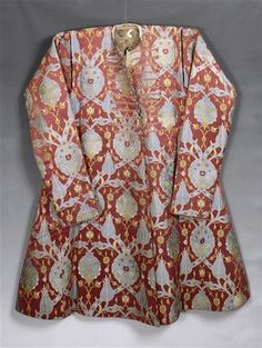 2nd half of 16 c. Caftan attributed to Sultan Ahmed I. Height: 1.34 meters.