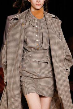 Stella McCartney Fall 2017 Ready-to-Wear Fashion Show Couture Fashion, Runway Fashion, High Fashion, Fashion Show, Fashion Looks, Fashion Outfits, Womens Fashion, Stylish Outfits, Stella Mccartney