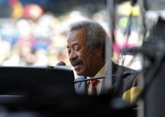 Legendary New Orleans musician and composer Allen Toussaint has died after suffering a heart attack.