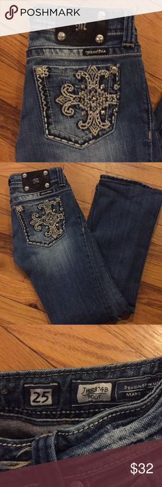 Miss me 25/28 short in new condition with no sign of wear. Miss Me Jeans Boot Cut