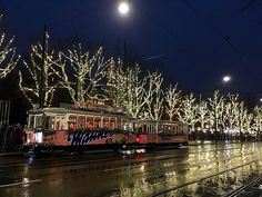 For me christmas is the most special time of the year. It is cozy and warm in the houses and christmassy bustle on the streets. You listening to christmas musi Vienna Christmas, Christmas Time, Time Of The Year, About Me Blog, Posts, Messages