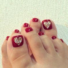63 Super Ideas For Shellac Pedicure Toenails Pretty Toes Pretty Toe Nails, Cute Toe Nails, Pretty Toes, Gorgeous Nails, Flower Pedicure Designs, Toe Nail Designs, Toe Nail Color, Toe Nail Art, Shellac Pedicure